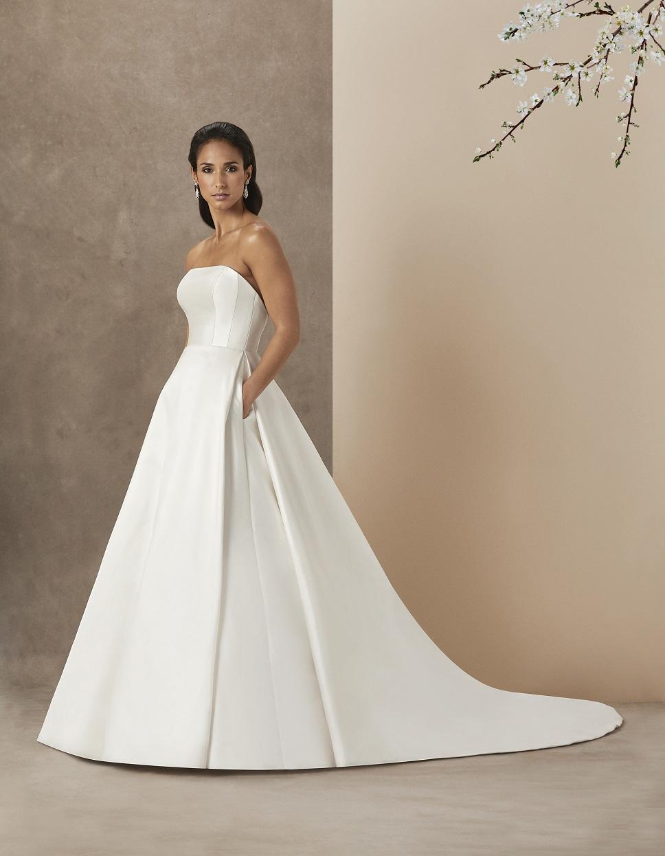 uks leading bridal designer - 736×947