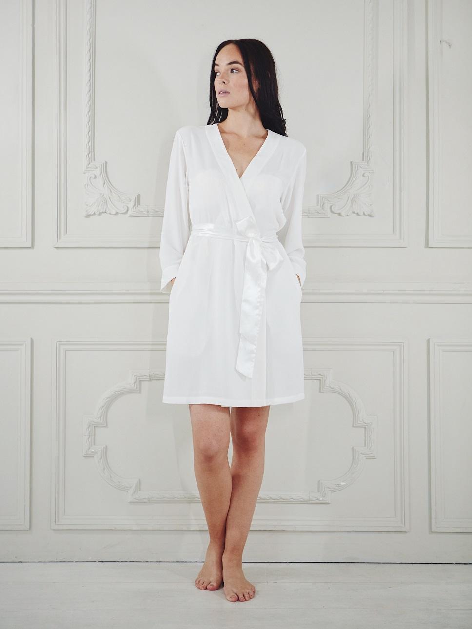 Luxury bridal robe in white