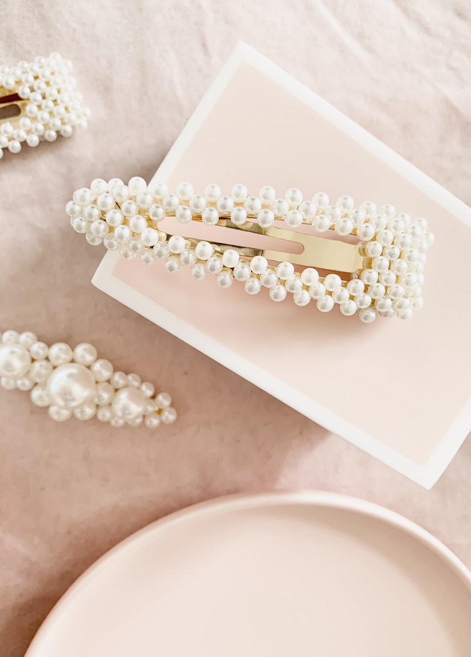 Pearl bridal hair clips
